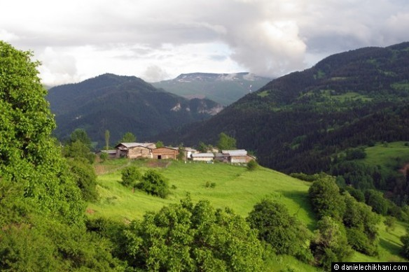 Village on the way to Osk Vank